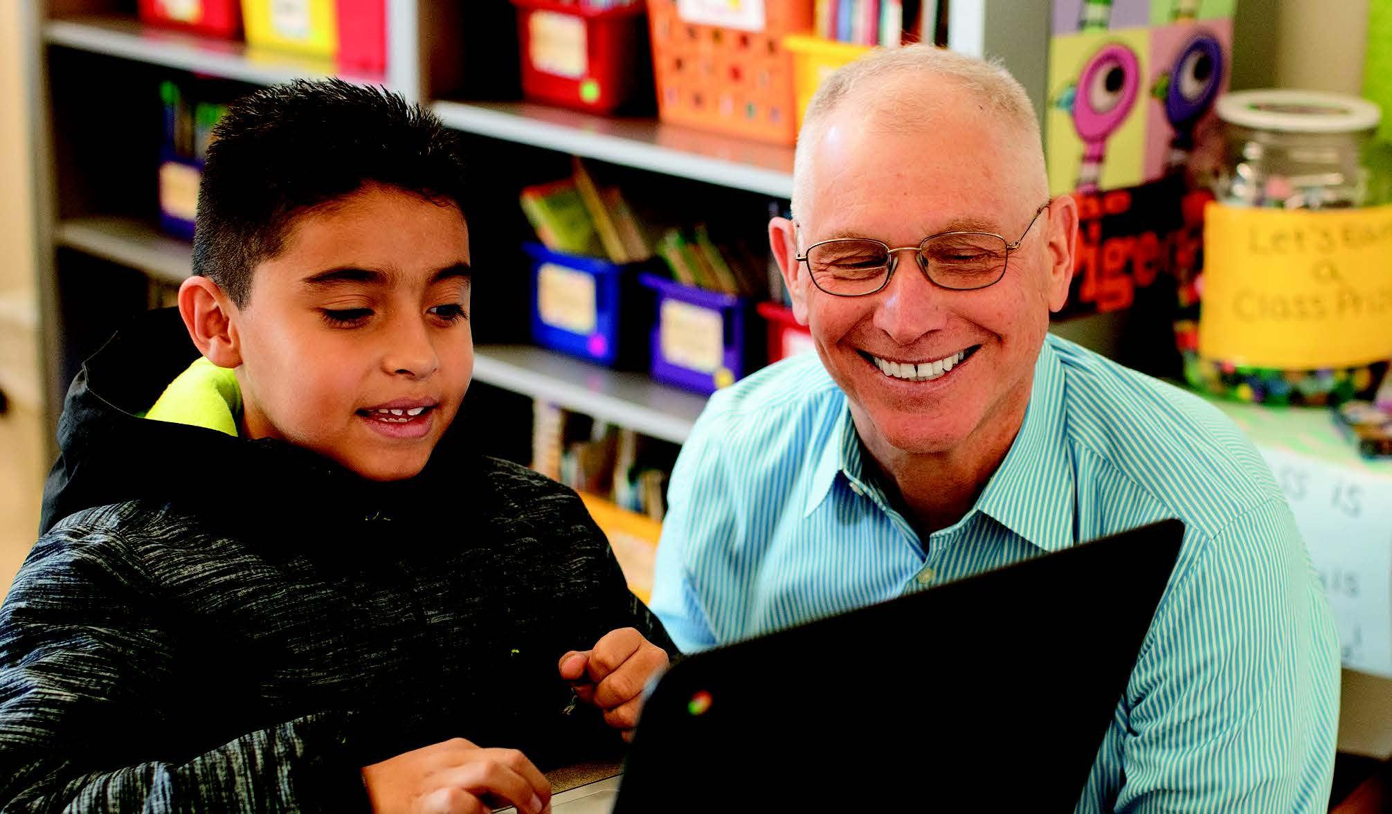 Ron tzur helping a student